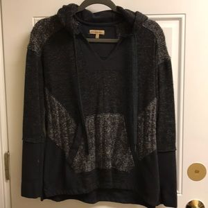 Black and gray sweatshirt